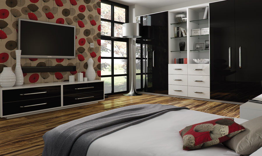 Zurfiz Ultragloss Black fitted bedroom